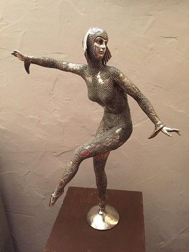 Statuette bronze argenté