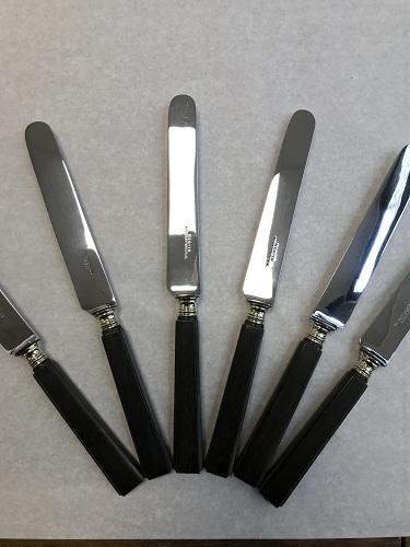 Couteaux de table lames acier chromé et manche ébène