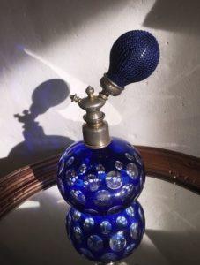 Vaporisateur à parfum en cristal doublé bleu